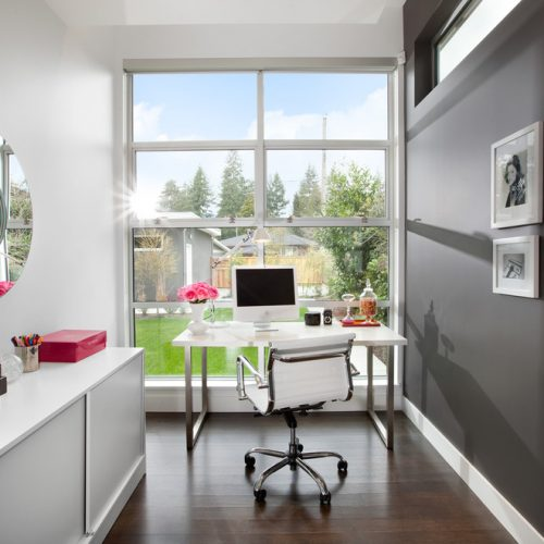Home office with bay window